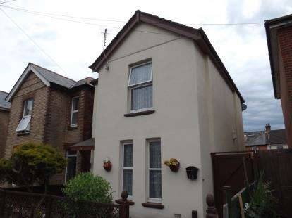 3 Bedrooms Detached House for sale in Pokesdown, Bournemouth, Dorset