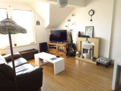 2 Bedrooms Flat for sale in Bod Difyr, Station Road, Colwyn Bay, Conwy, LL29