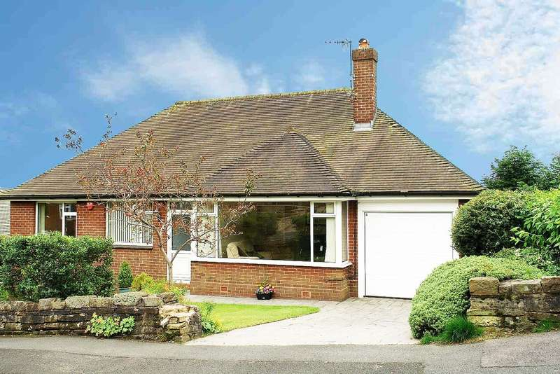 3 Bedrooms Detached Bungalow for sale in Summershades Lane, Grasscroft, Saddleworth