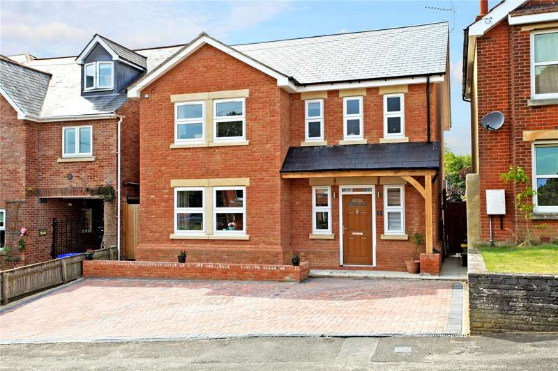 4 Bedrooms Detached House for sale in Canadian Avenue, Salisbury, Wiltshire, SP2