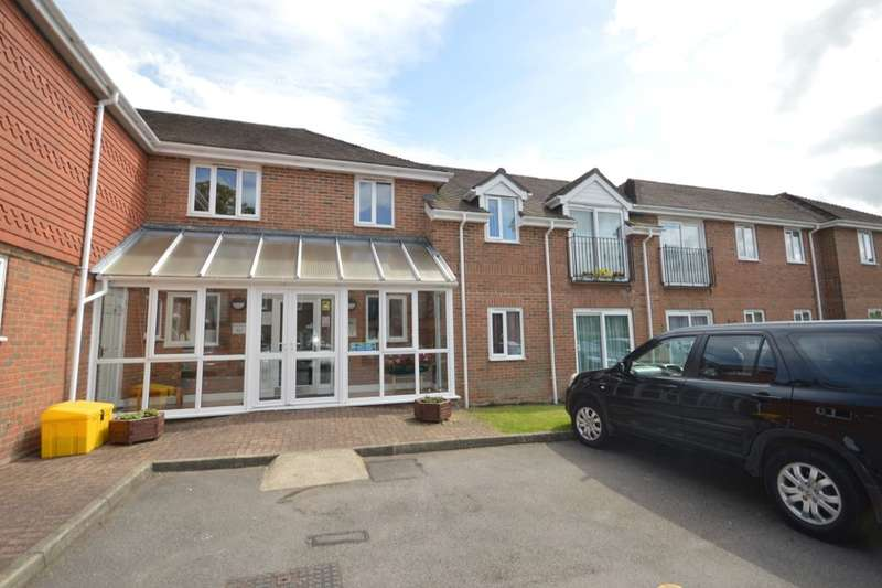 1 Bedroom Flat for sale in Woodlands Way, Andover, SP10