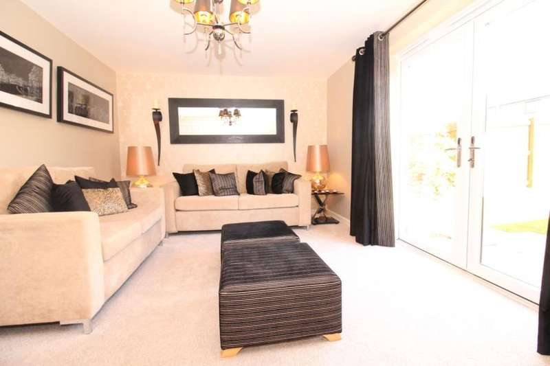 3 Bedrooms Semi Detached House for sale in Rowan Tree Road, Oldham, OL8