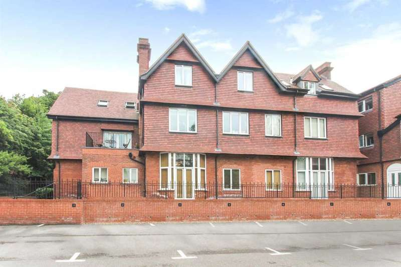 2 Bedrooms Apartment Flat for sale in Cardigan Road, Leeds
