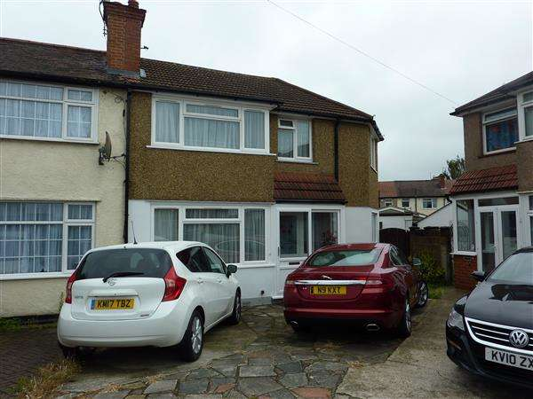 4 Bedrooms House for sale in Winton Close, London