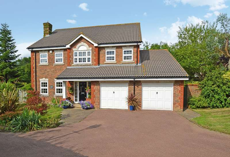 5 Bedrooms Detached House for sale in Avebury Close, Horsham, West Sussex, RH12