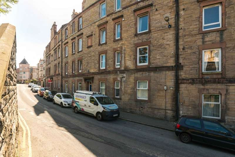 1 Bedroom Ground Flat for sale in Stewart Terrace, Gorgie, Edinburgh, EH11 1UJ