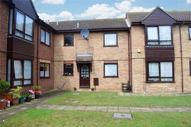1 Bedroom Flat for sale in Battisford Drive, Clacton-on-Sea, Essex