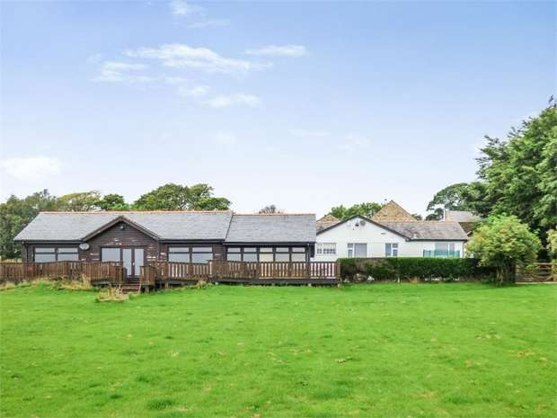 7 Bedrooms Detached Bungalow for sale in Long Row, Mellor, Blackburn, Lancashire