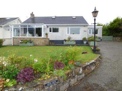 4 Bedrooms Bungalow for sale in Marianglas, Ynys Mon, Anglesey, LL73