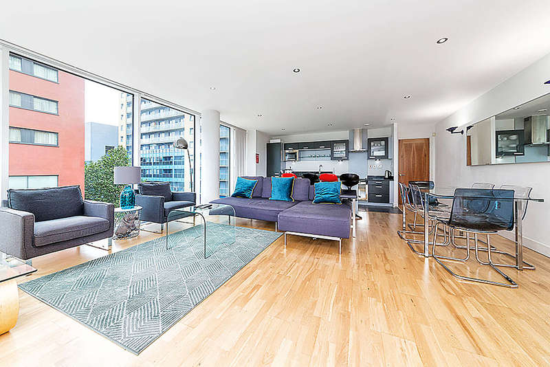 3 Bedrooms Apartment Flat for sale in Balearic Apartments, Western Gateway, Royal Victoria Dock, E16