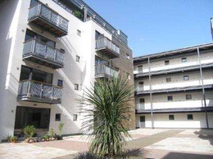 2 Bedrooms Flat for sale in 1 Isaac Way, Manchester, Greater Manchester