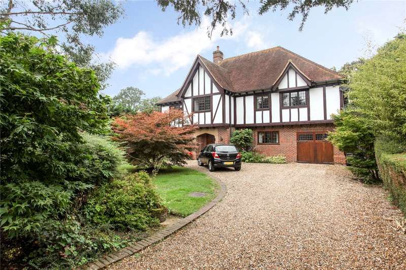 5 Bedrooms Detached House for sale in Pennymead Rise, East Horsley, Leatherhead, Surrey, KT24