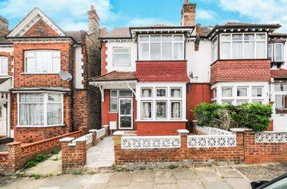 5 Bedrooms Semi Detached House for sale in Cornwall Avenue, Finchley Central, London