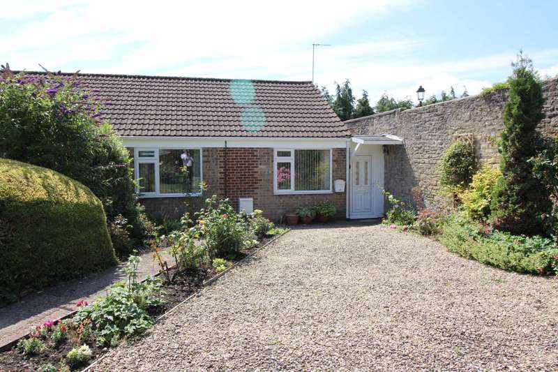 2 Bedrooms Semi Detached Bungalow for sale in Firwood Road, Frome