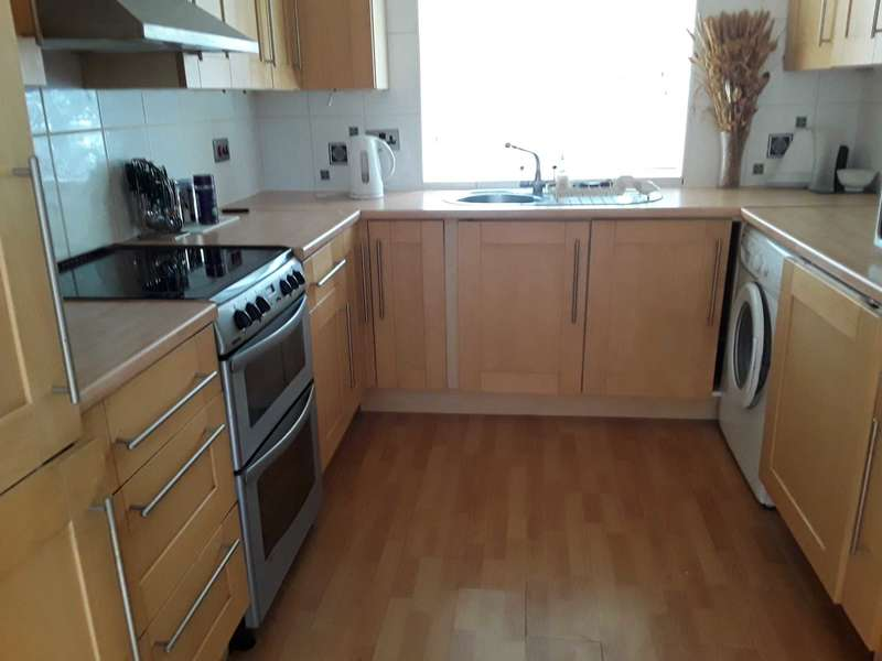 3 Bedrooms Detached House for sale in Wakerley Close E6 5PS