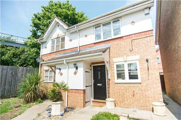 2 Bedrooms Semi Detached House for sale in Brancaster Drive, MILL HILL, NW7 2SH