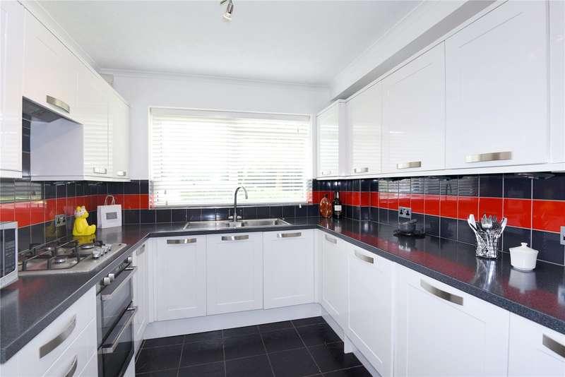 2 Bedrooms Apartment Flat for sale in Elizabeth Court, 170 Hempstead Road, Watford, Hertfordshire, WD17