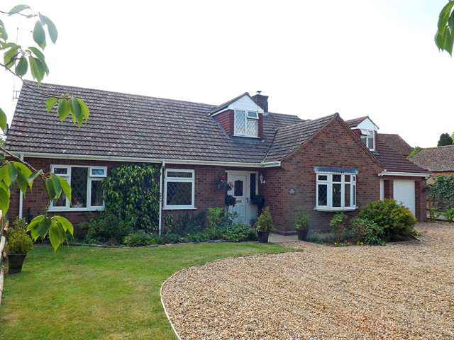 4 Bedrooms Detached House for sale in Lower Moor, Nr. Pershore