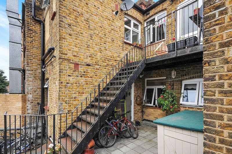 2 Bedrooms Flat for sale in Croydon Road, Beckenham, BR3