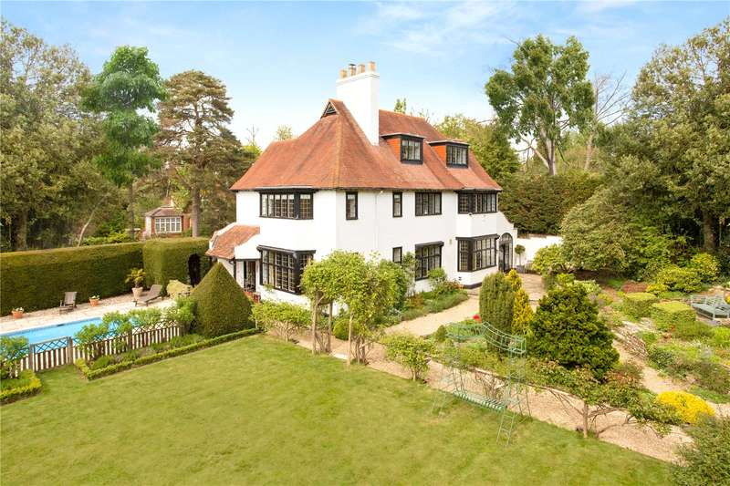 5 Bedrooms Detached House for sale in Upper Park Road, Camberley, Surrey, GU15