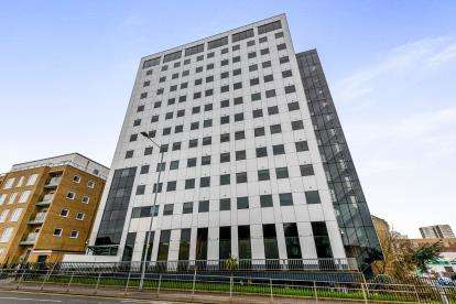 2 Bedrooms Flat for sale in 155 Southchurch Avenue, Southend On Sea, Essex