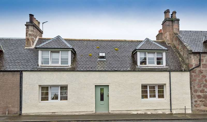 2 Bedrooms Terraced House for sale in 2 High Street, Auldearn, Highland, IV12
