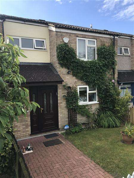 3 Bedrooms Terraced House for sale in Beagle Close, Radlett