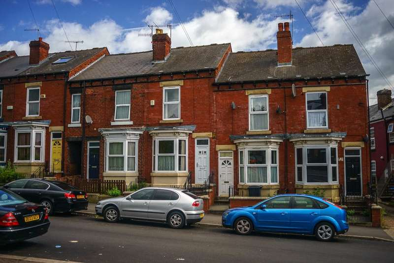 3 Bedrooms End Of Terrace House for sale in Empire Road, Sheffield, South Yorkshire, S7
