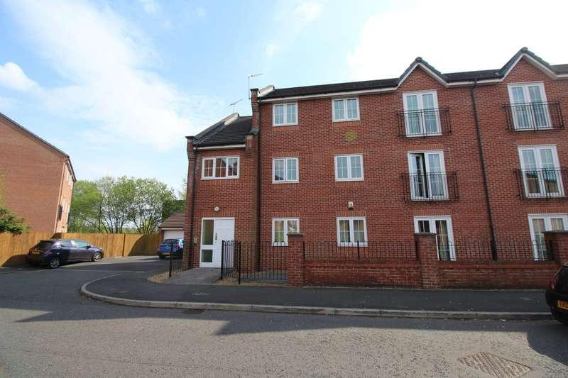 2 Bedrooms Flat for sale in Valley Mill Lane, Bury, BL9
