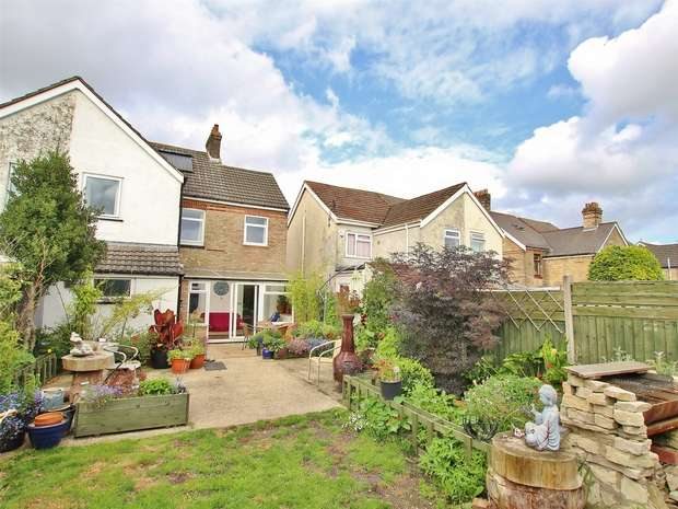 4 Bedrooms Semi Detached House for sale in Rossmore Road, Parkstone, POOLE, Dorset