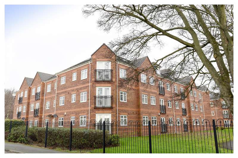 3 Bedrooms Flat for sale in Brackenhurst Place, Moortown, Leeds, LS17 6WD