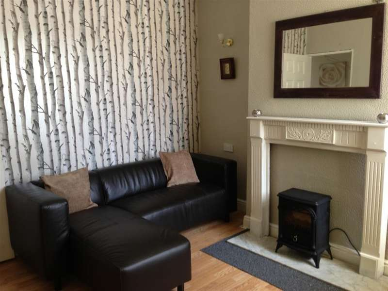 2 Bedrooms Terraced House for rent in Ross Street, Middlesbrough, TS1 4EJ