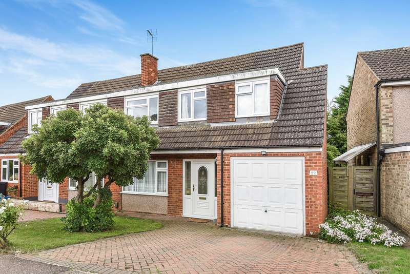 4 Bedrooms Semi Detached House for sale in Passingham Avenue, Hitchin, SG4