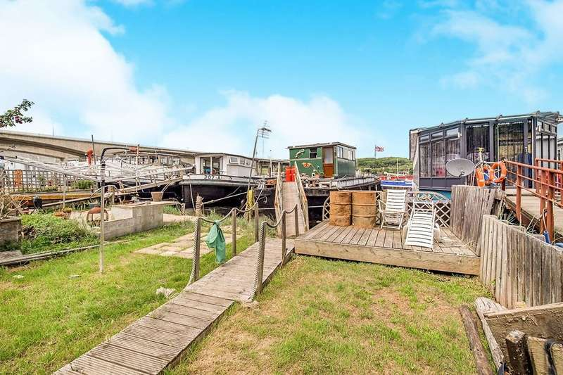 2 Bedrooms Property for sale in Medway Bridge Marina Manor Lane, Rochester, ME1