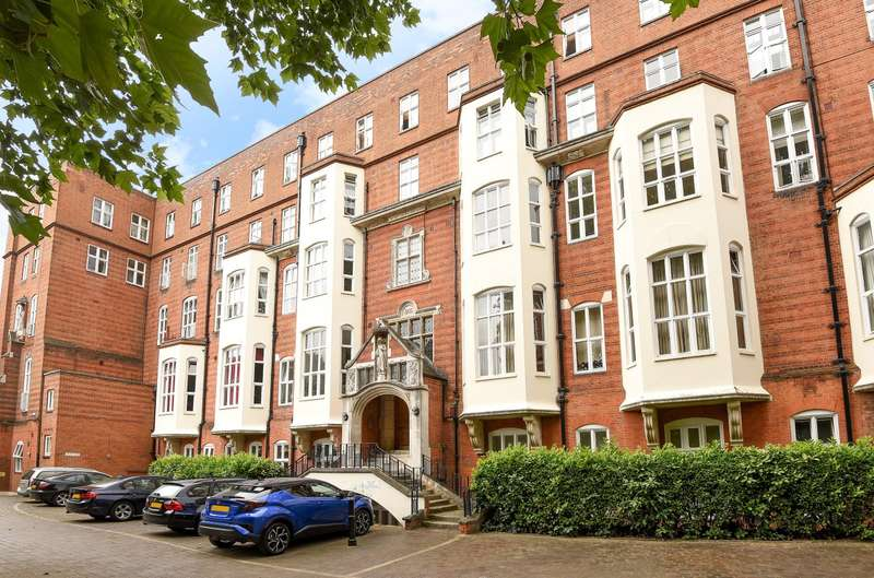 2 Bedrooms Flat for sale in St. Gabriels Manor, Camberwell, SE5
