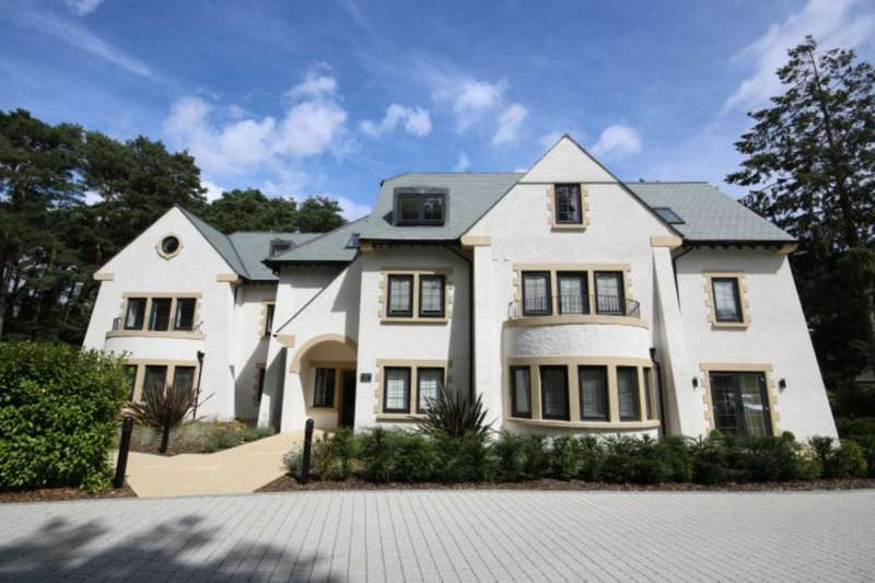 2 Bedrooms Apartment Flat for sale in BH22 GOLF LINKS ROAD, Ferndown
