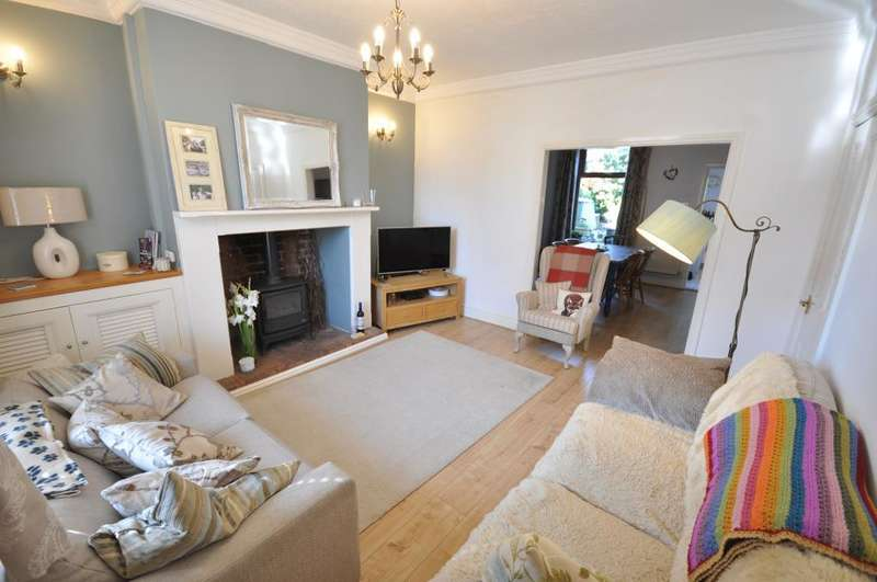 3 Bedrooms Terraced House for sale in Clitheroes Lane, Freckleton, Preston, Lancashire, PR4 1SD