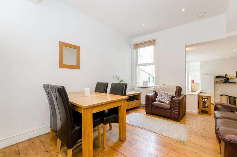 4 Bedrooms Flat for sale in Townmead Road, Sands End, SW6