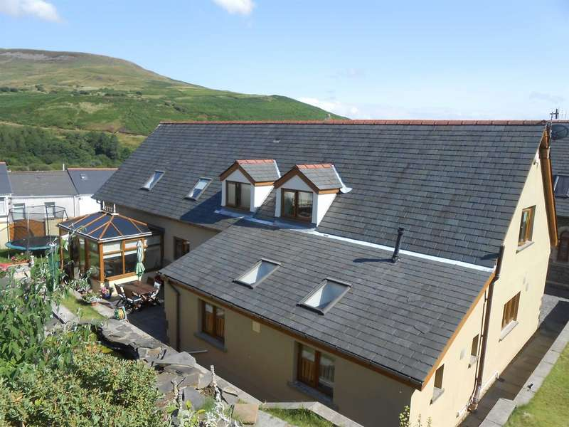 5 Bedrooms Detached House for sale in Picton Street, Nantyffyllon, Maesteg