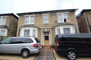 5 Bedrooms Detached House for sale in Farquharson Road, Croydon, Surrey