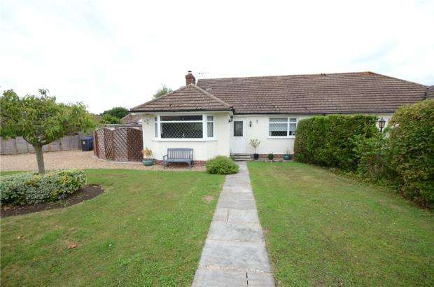 4 Bedrooms Semi Detached Bungalow for sale in Manor Grove, Fifield, Maidenhead