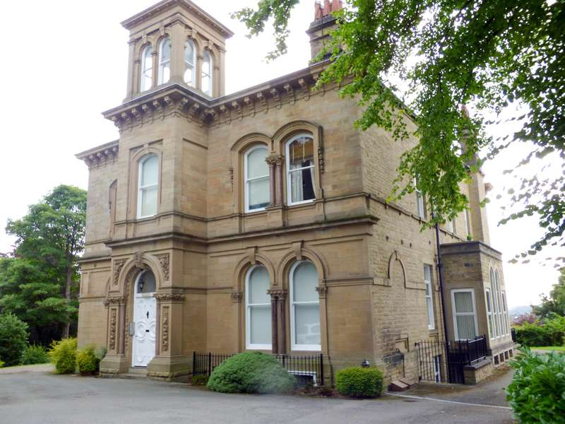 2 Bedrooms Apartment Flat for sale in Edgerton Road, Huddersfield, HD1 5RB