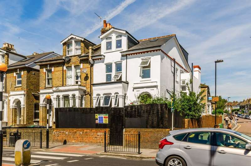 3 Bedrooms Flat for sale in Lordship Lane, Wood Green, N22