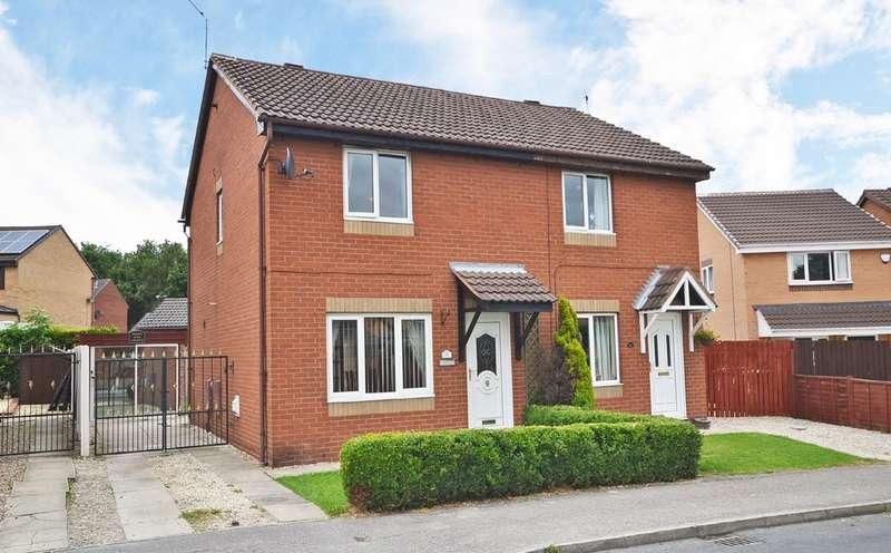 3 Bedrooms Semi Detached House for sale in Woodmoor Drive, Crigglestone, Wakefield