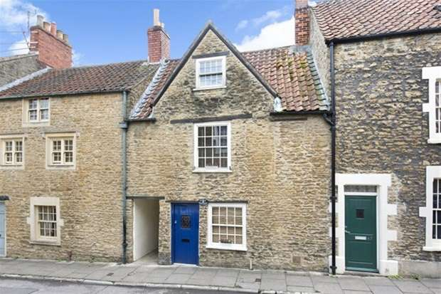 2 Bedrooms Terraced House for sale in Naishs Street, Frome