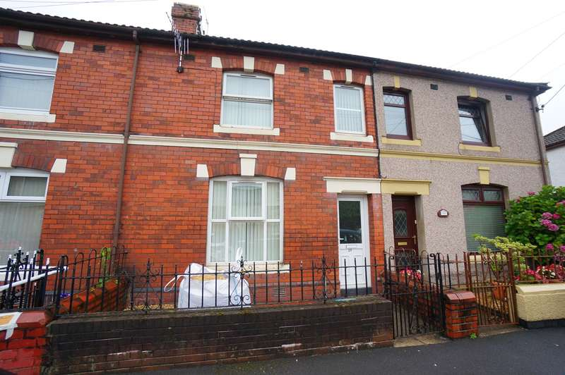 3 Bedrooms Terraced House for sale in Grove Road, Risca, Newport, NP11