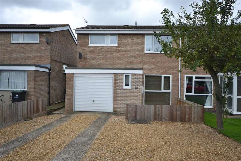 3 Bedrooms Semi Detached House for sale in Martin Close, Soham
