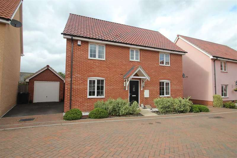 4 Bedrooms Detached House for sale in Cleave Close, Clacton-On-Sea