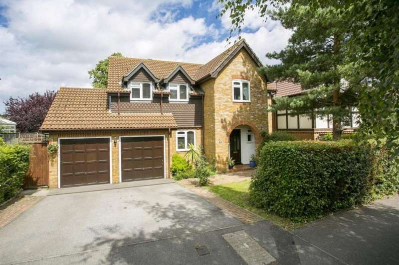 5 Bedrooms Detached House for sale in Russett Close, Aylesford, ME20