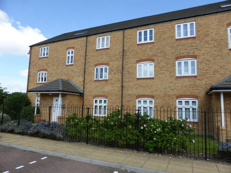 2 Bedrooms Apartment Flat for sale in Quarry Close, Lennox Road, Gravesend, DA11